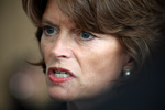 Lisa Murkowski -cu-left- 5-17-10 - Chamber Cong Del - by Dave Harbour 190-1 4898x3265