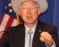 Ken Salazar -fist- DOI Meeting - 4-14-09 - NGP Photo by Dave Harbour 130 (68)